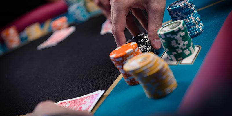 dinero en el poker ganhos