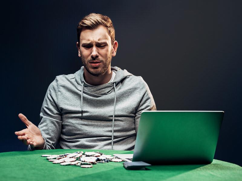 Computador vence humano poker