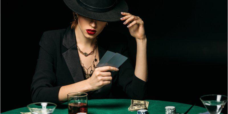 mujer poker 1