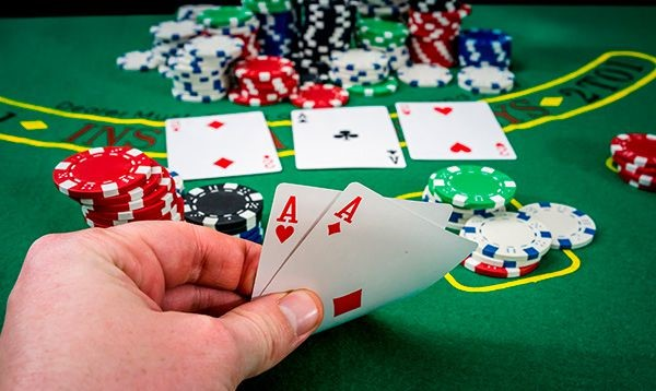 consejos para torneos de póker