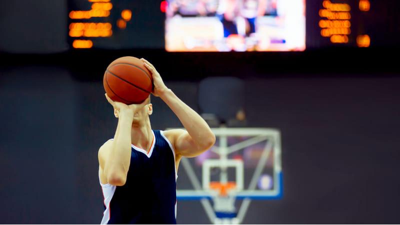 lancamento basquete
