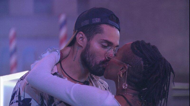karol arcrebiano beijo bbb21