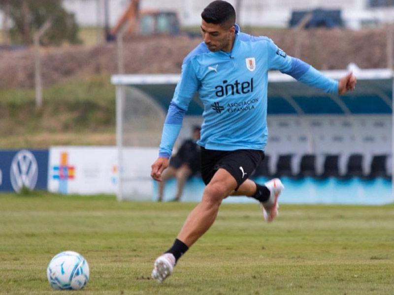 suarez entrenamiento uruguay